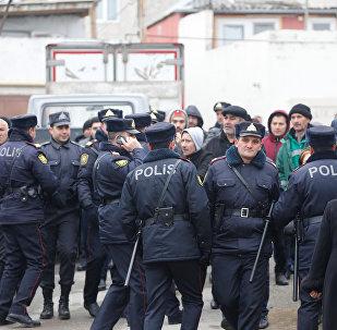 Yanğın baş verən ərazidə polis