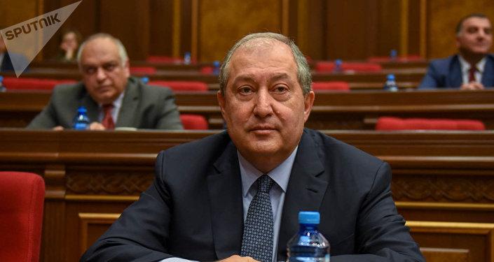Новоизбранный президент Армении Армен Саркисян