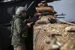 Военнослужащий турецкой армии на боевой позиции в Африне, Сирия. 3 марта 2018