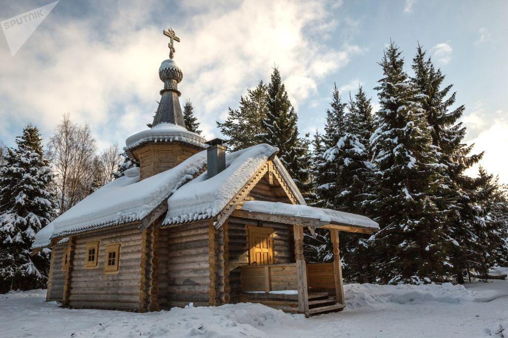 Мужской монастырь Свято-Ильинская Водлозерская пустынь