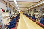 Работницы в ткацком цеху ОАО Azərxalça