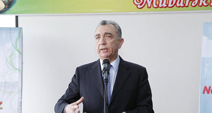 Səbayıl rayon icra hakimiyyətinin başçısı Eldar Əzizov