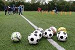 Футбольные мячи, фото из архива
