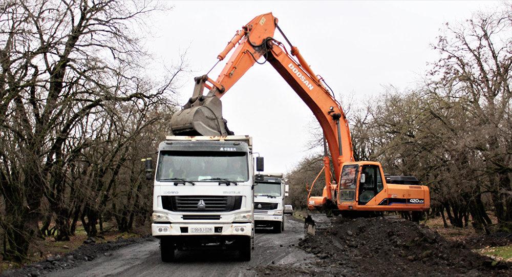 Qax-Qıpçaq-Üzümlü avtomobil yolunda yenidənqurma işləri