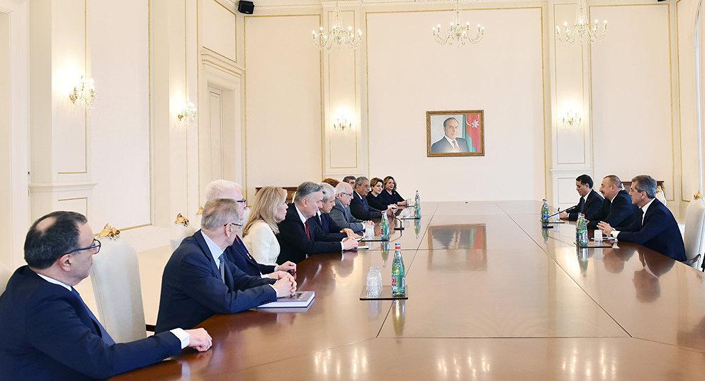 Президент Ильхам Алиев принял сопредседателей и членов правления Международного центра Низами Гянджеви