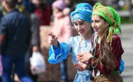 Празднование Новруза на приморском бульваре в Баку