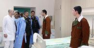 По случаю праздника Новруз руководство Министерства Обороны посетило военный госпиталь