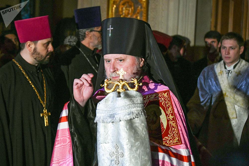 Пасхальная ночь и крестный ход в Баку