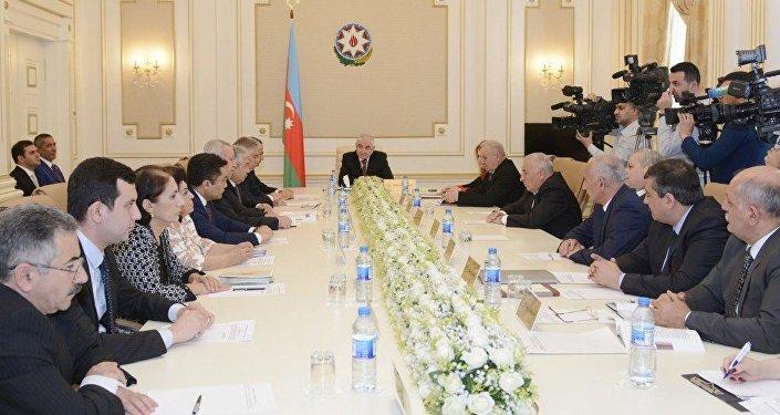 Избранный президент Азербайджана вступил вдолжность
