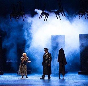 Спектакль Обитатели ада на сцене Азербайджанского государственного академического национального театра