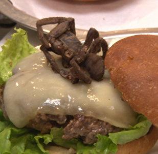 Блюдо с пауком предлагают в одном из ресторанов США