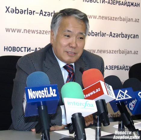 «Казахстан признает территориальную целостность Азербайджана и выступает за мирное решение Карабахского конфликта. Вместе с тем, мы поддерживаем дружеские отношения, как с Азербайджаном, так и с Арменией», - отметил Примбетов.