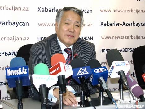 В настоящее время взаимный товарооборот между Азербайджаном и Казахстаном составляет около 350 миллионов долларов в год, и в будущем мы планируем увеличить его до уровня в 1 миллиард долларов. Об этом во вторник на пресс-конференции в Международном пресс-центре «Новости», отвечая на вопрос «Новости-Азербайджан», сказал посол Казахстана в Азербайджана Серик Примбетов.