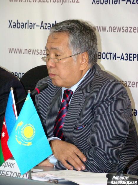 По словам посла, в 2003 году взаимный товарооборот Казахстана с Азербайджаном составлял 126,5 миллионов долларов.